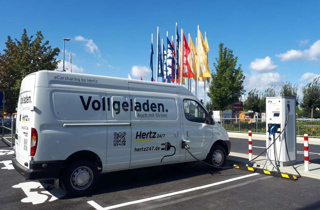 Ikea Und Hertz Bringen Elektro Transporter Auf Die Strasse
